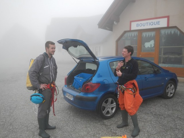 Parking sur la brume